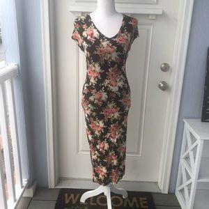 🆕 V-Neck Midi Dress